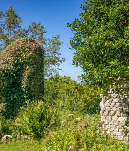 Ruinen der Villa Cavardy Saint-Evarzec